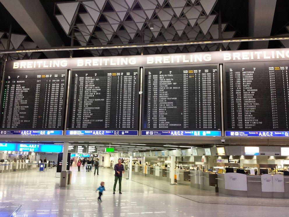 Flughafen Frankfurt Verspatungen Und Kofferverlust Zu Ferienbeginn